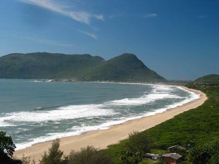 Nuestro recorrido por Brasil la mejor playa de florianopolis playa de armacao