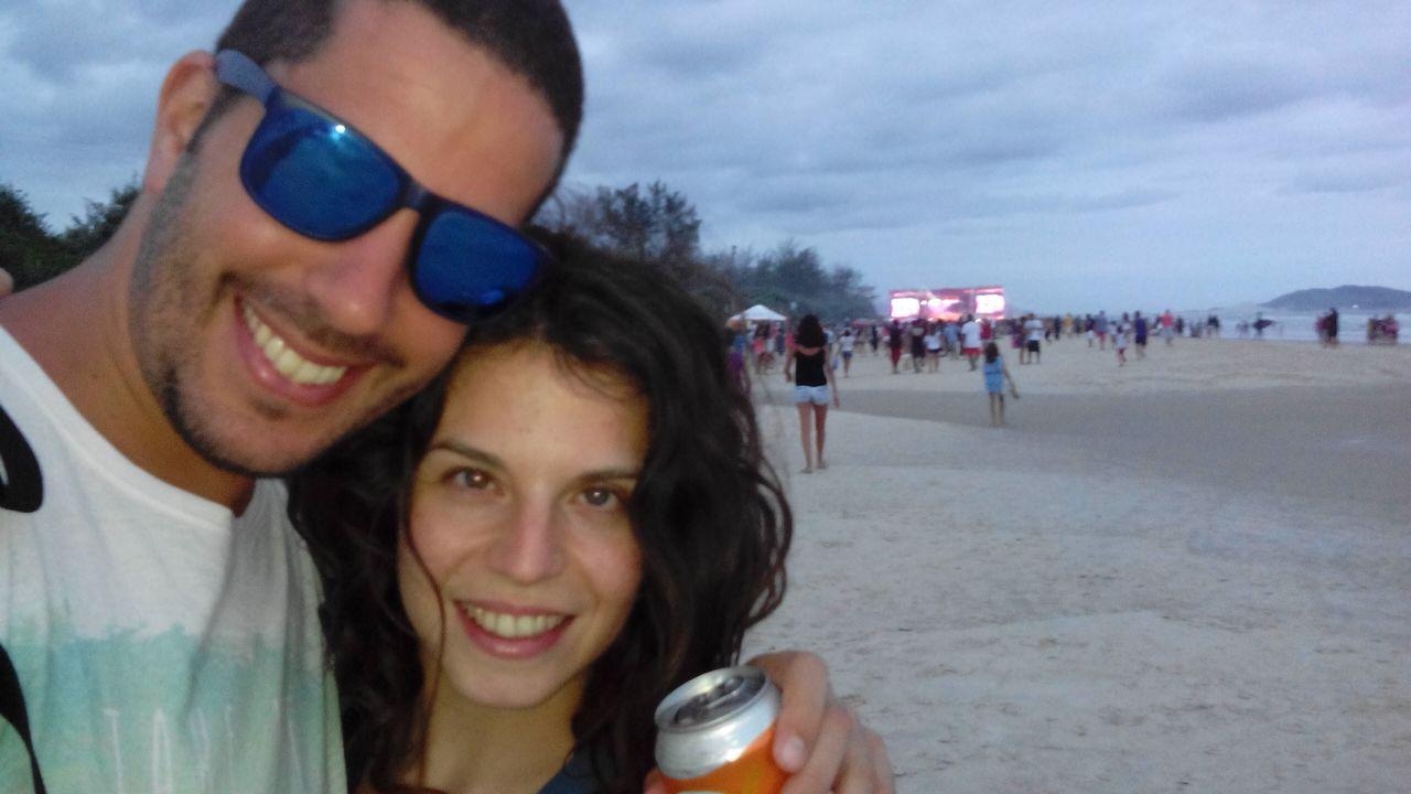 las mejores playas de florianopolis Atardecer de cervezas y concierto en playa Campeche