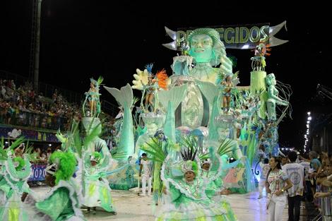desfile de las escuelas de Samba en Sambódromo, Carnaval de Florianopolis Brasil 2015
