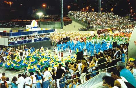 Desfile en sambódromo de las Escuelas de Samba, Carnaval de Florianopolis Brasil 2015